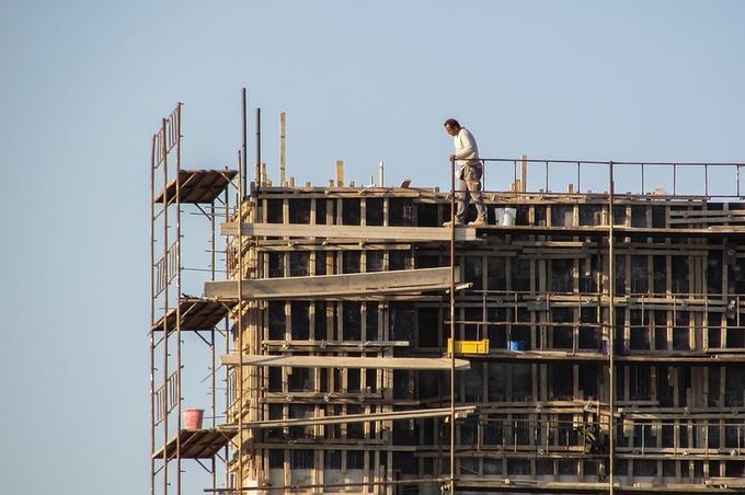 Actividades de riesgo en el sector de la construcción en España susceptibles de generar responsabilidad penal (ii): delitos contra los derechos de los trabajadores. UTE