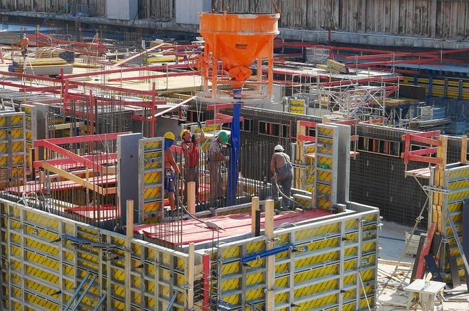 Actividades de riesgo en sector de la construcción suceptibles de generar responsabilidad penal (iii). Abuso de mercado. Contratación pública. Planes de cumplimiento normativo (compliance)