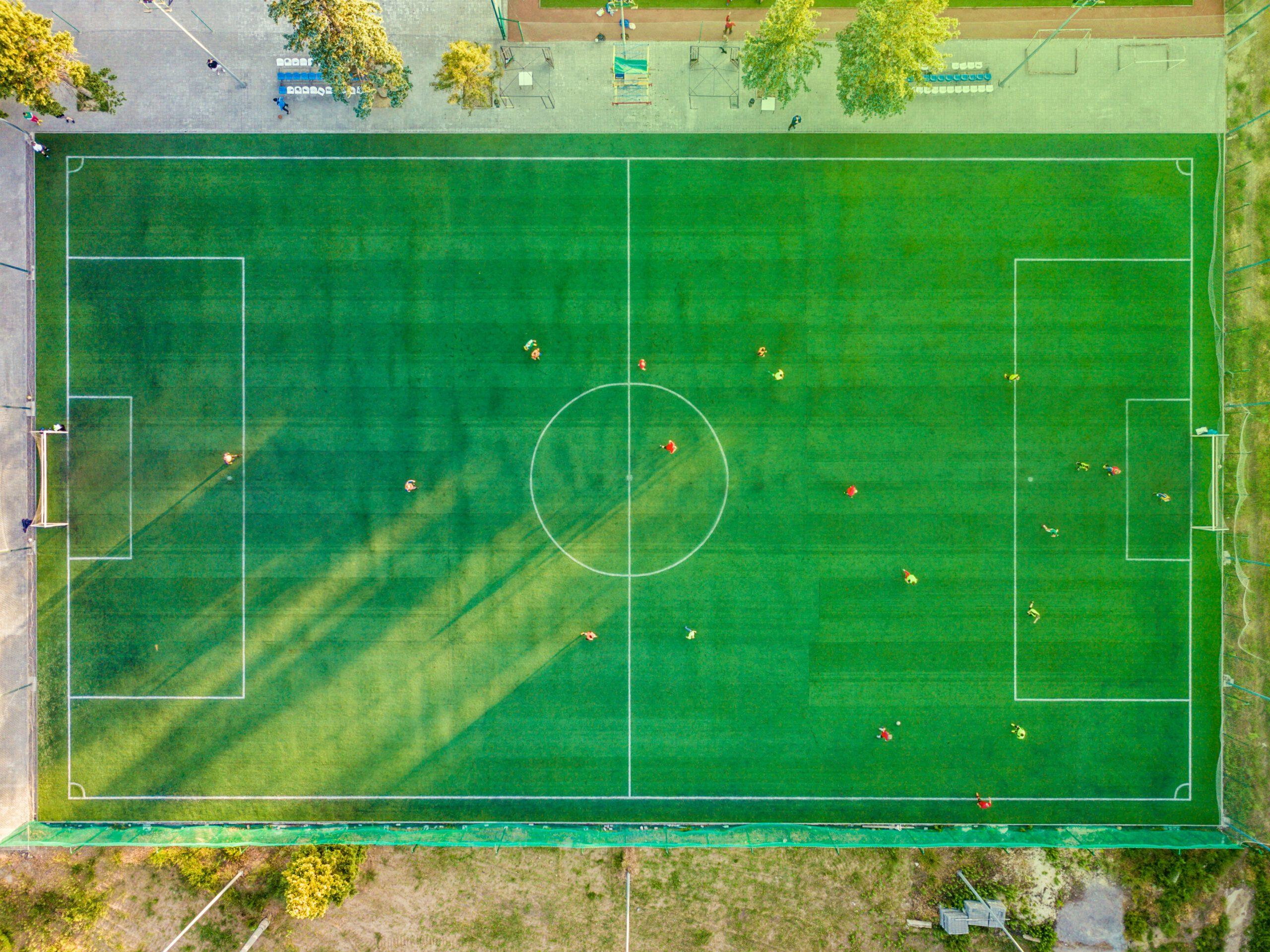 ¿El futbolista que lesiona a otro en el terreno de juego puede responder penalmente?