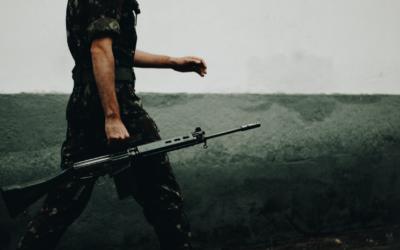Código Penal Militar (IV): Delitos contra la Seguridad y Defensa nacionales cometidos por militares